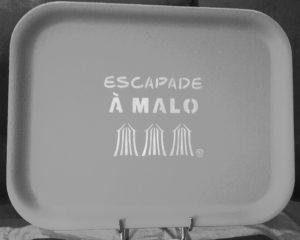"PLATEAU ""ESCAPADE A MALO"" GRIS CLAIR"